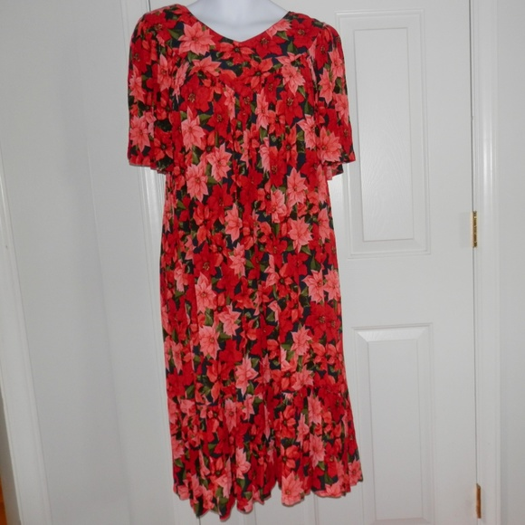 5004f2aca5a Go Softly Crinkled Rayon Floral Patio Dress Medium